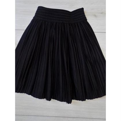 Plisowana czarna spódniczka na gumce 1