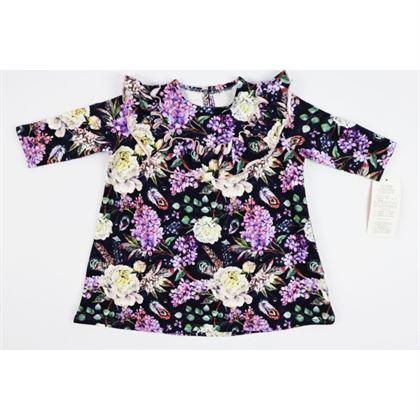 Granatowa sukienka w kwiaty z falbanką na dekolcie