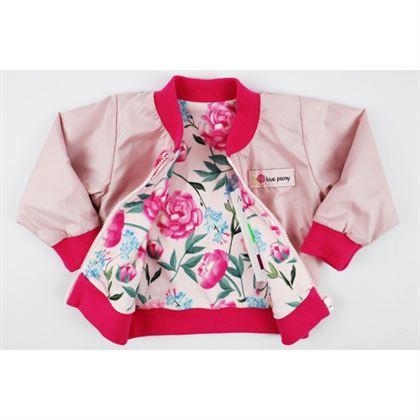 Kurteczka dla dziewczynki w różowym kolorze z kwiatowym podszyciem