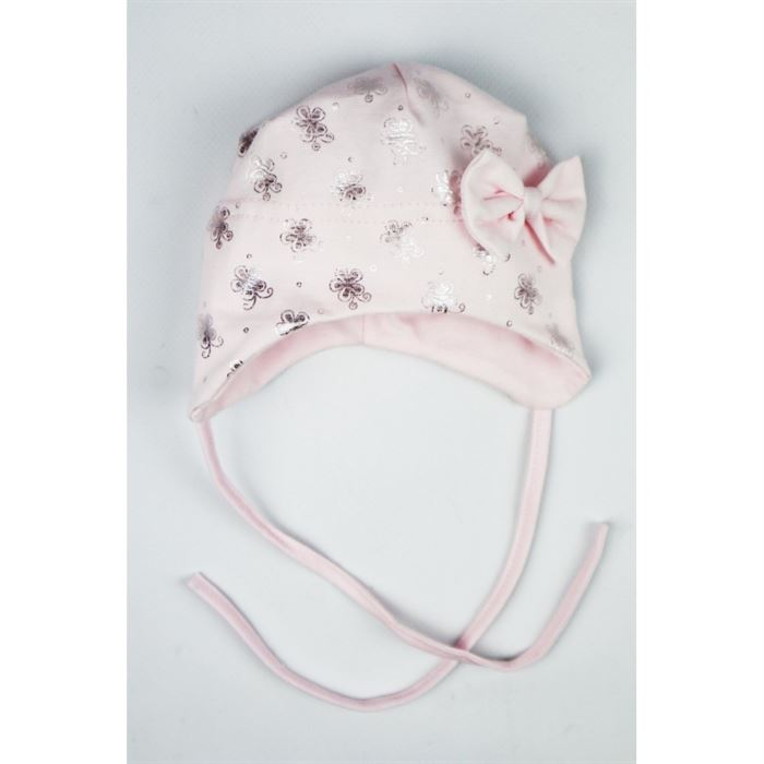 Pudrowa czapeczka niemowlęca dla dziewczynki ze srebrnymi grafikami