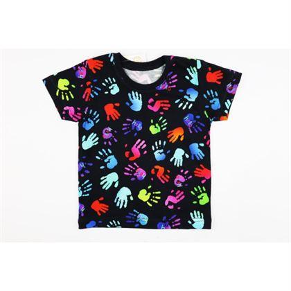 Czarny t-shirt dla chłopca z kolorowymi łapkami