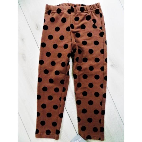 Kropkowane spodnie z kieszonką