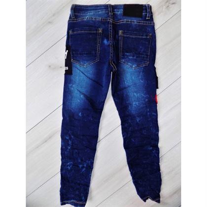 """Jeansy z naszywkami """"82"""""""